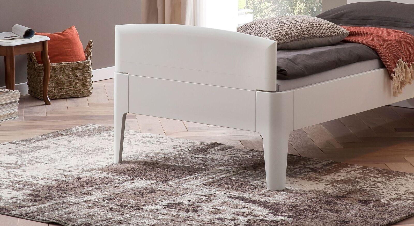 Komfort-Einzelbett Karol mit attraktivem Fußteil