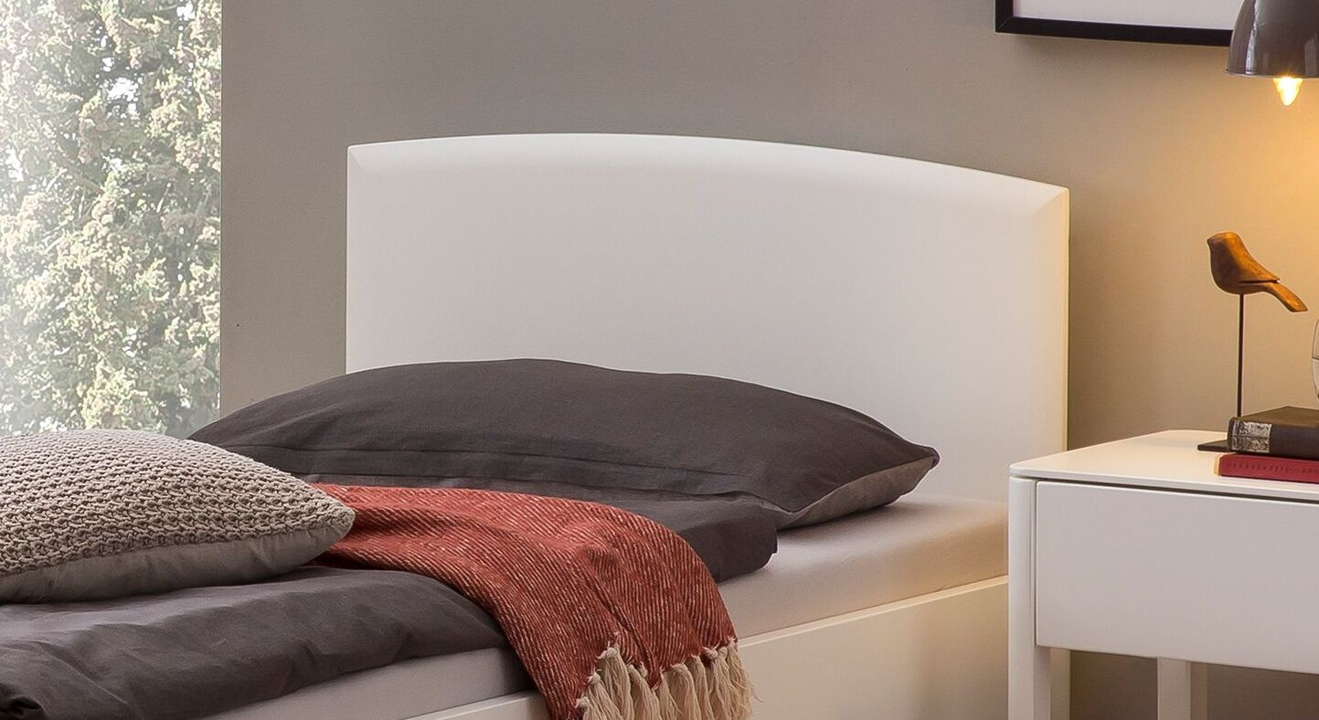 Komfort-Einzelbett Karol mit schlichtem Kopfteil