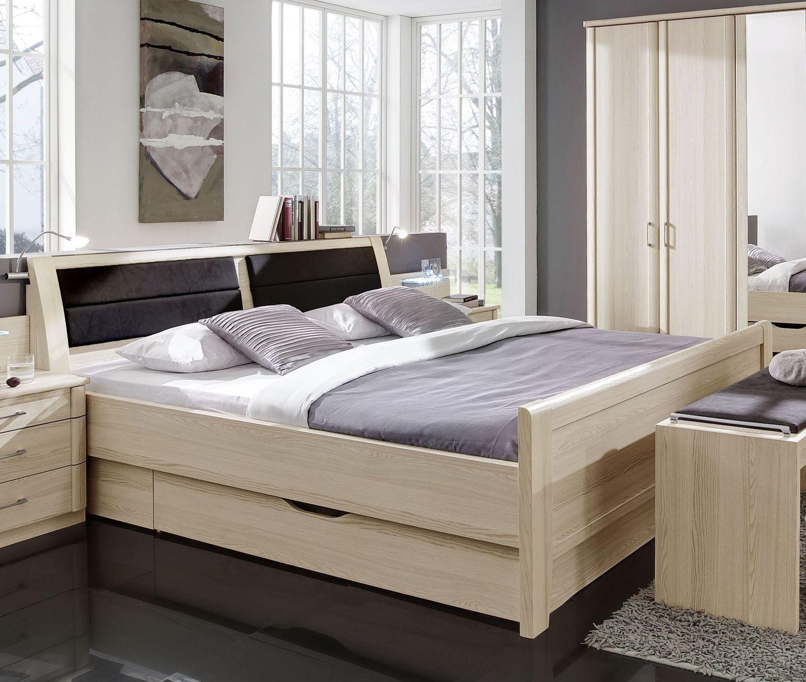 Uberbau Schlafzimmer In Edel Esche Dekor Fur Senioren Palena