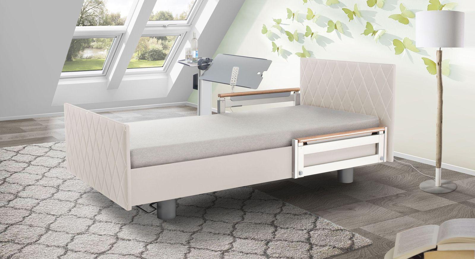 Komfortbett mit Pfegebett-Funktion Borkum mit weißem Kunstlederbezug