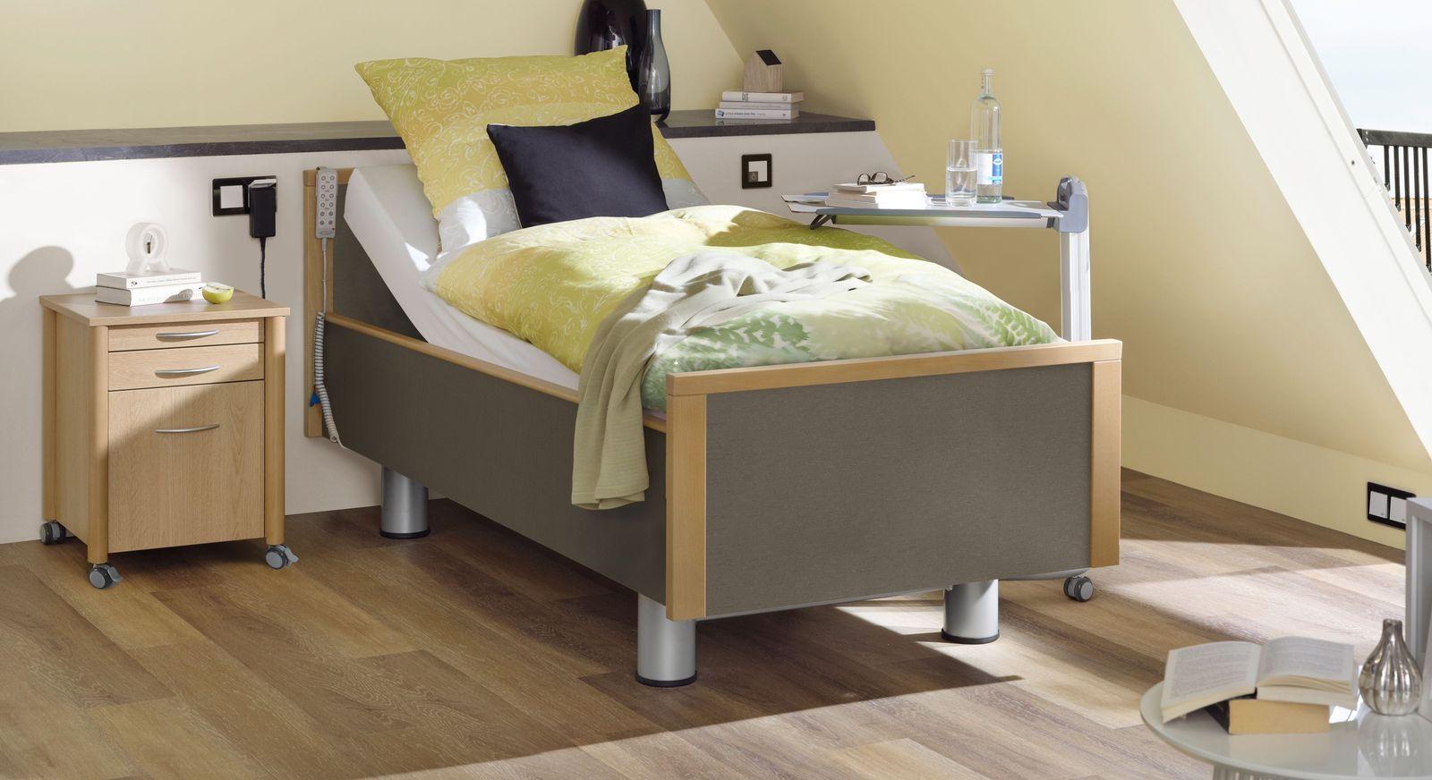 Komfortbett mit Pflegebett-Funktion Mainau mit seitlichem Stoff in Graubraun