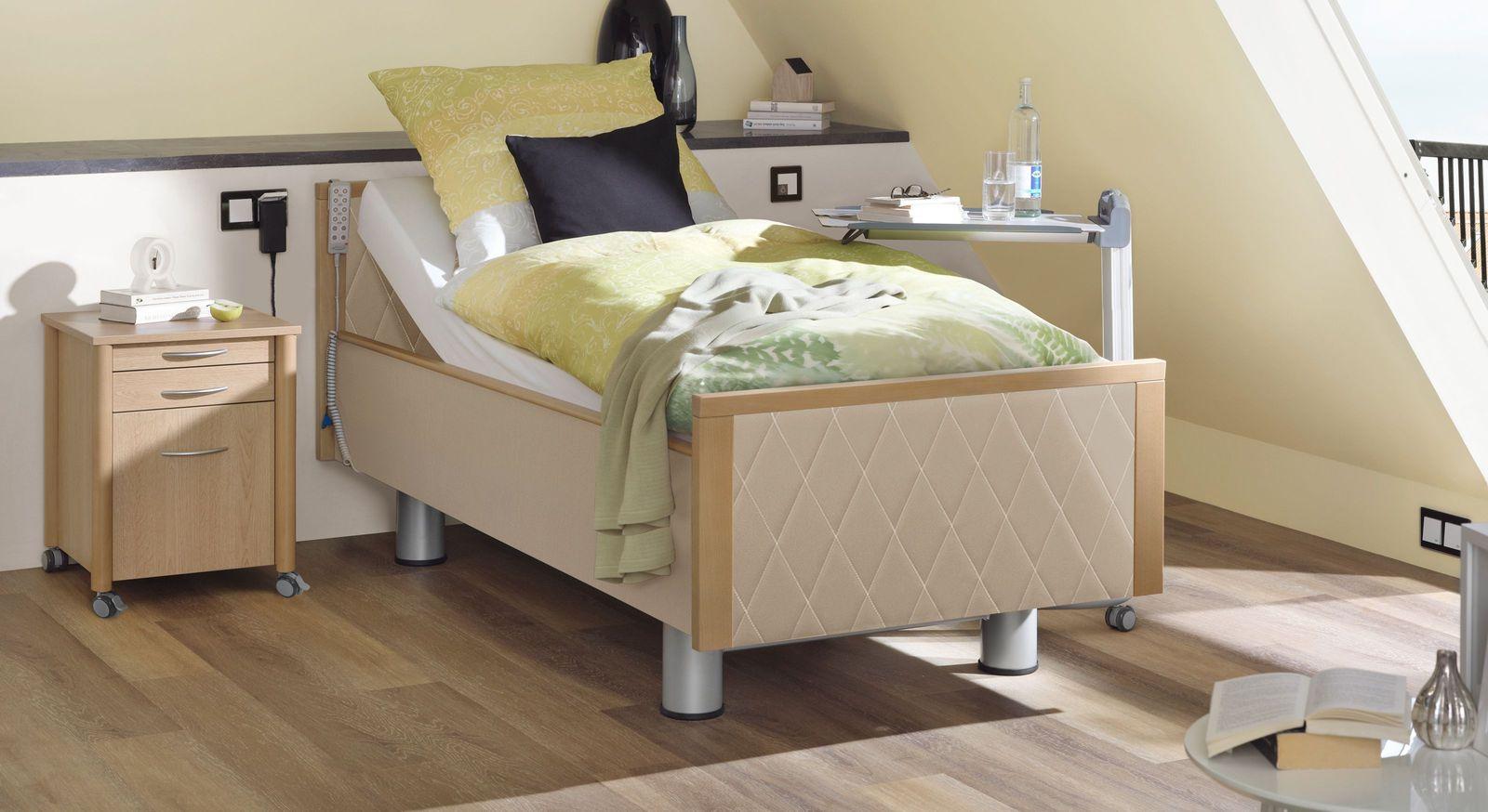 Hochwertiges Komfortbett mit Pflegebett-Funktion Rügen mit leinenfarbigem Kunstleder