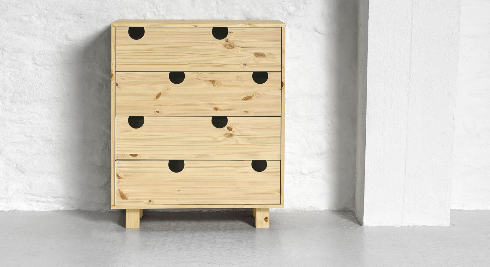schubladen kommode aus massiver kiefer in vielen farben lenola. Black Bedroom Furniture Sets. Home Design Ideas