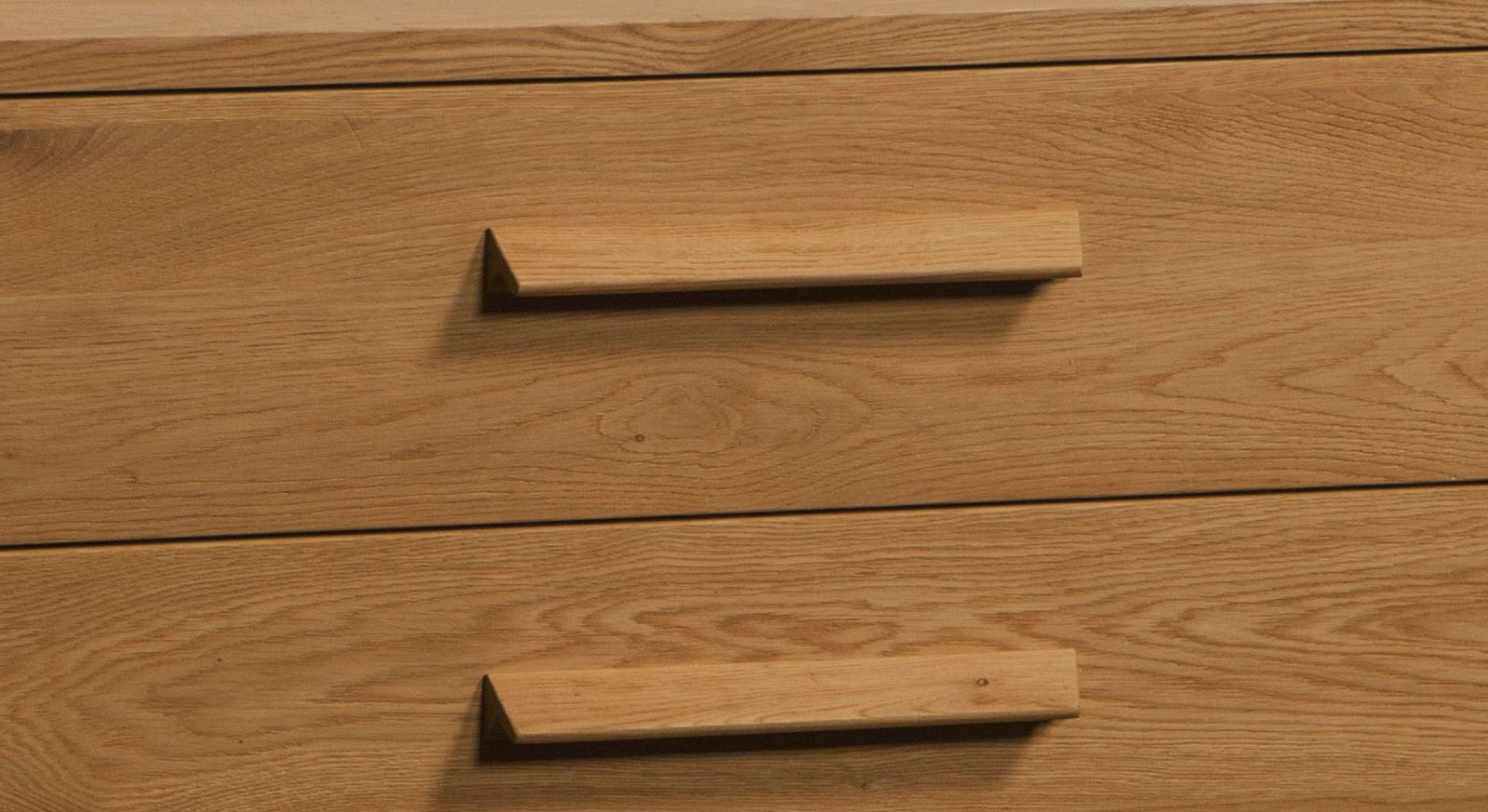 Kommode Santa Rosa mit breiten Holzgriffen