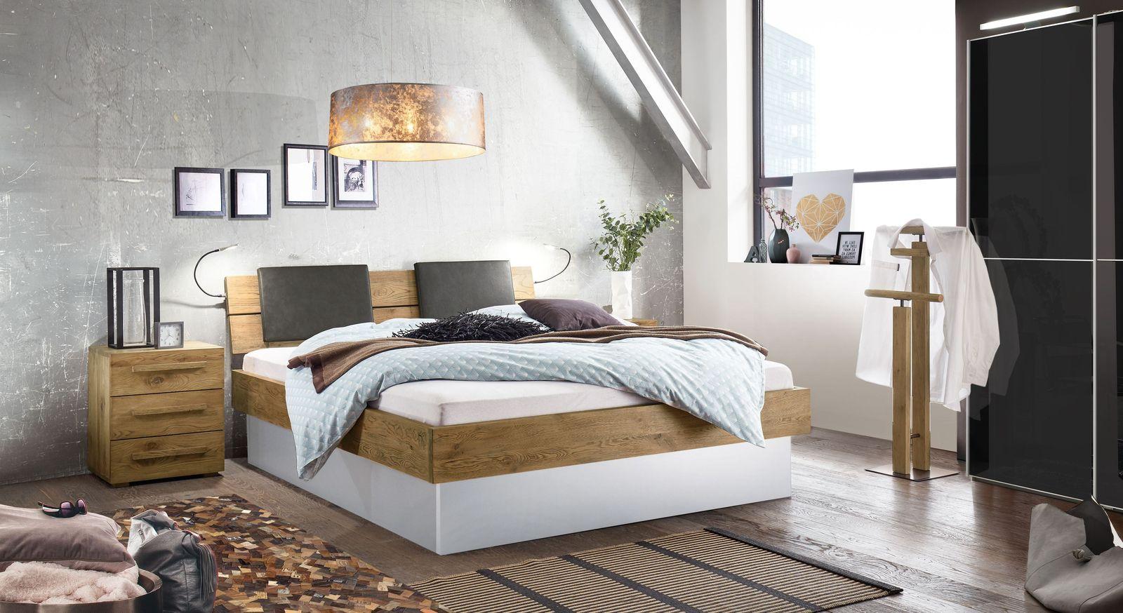 Komplett-Schlafzimmer mit Stauraumbett aus Wildeiche - Boa Vista