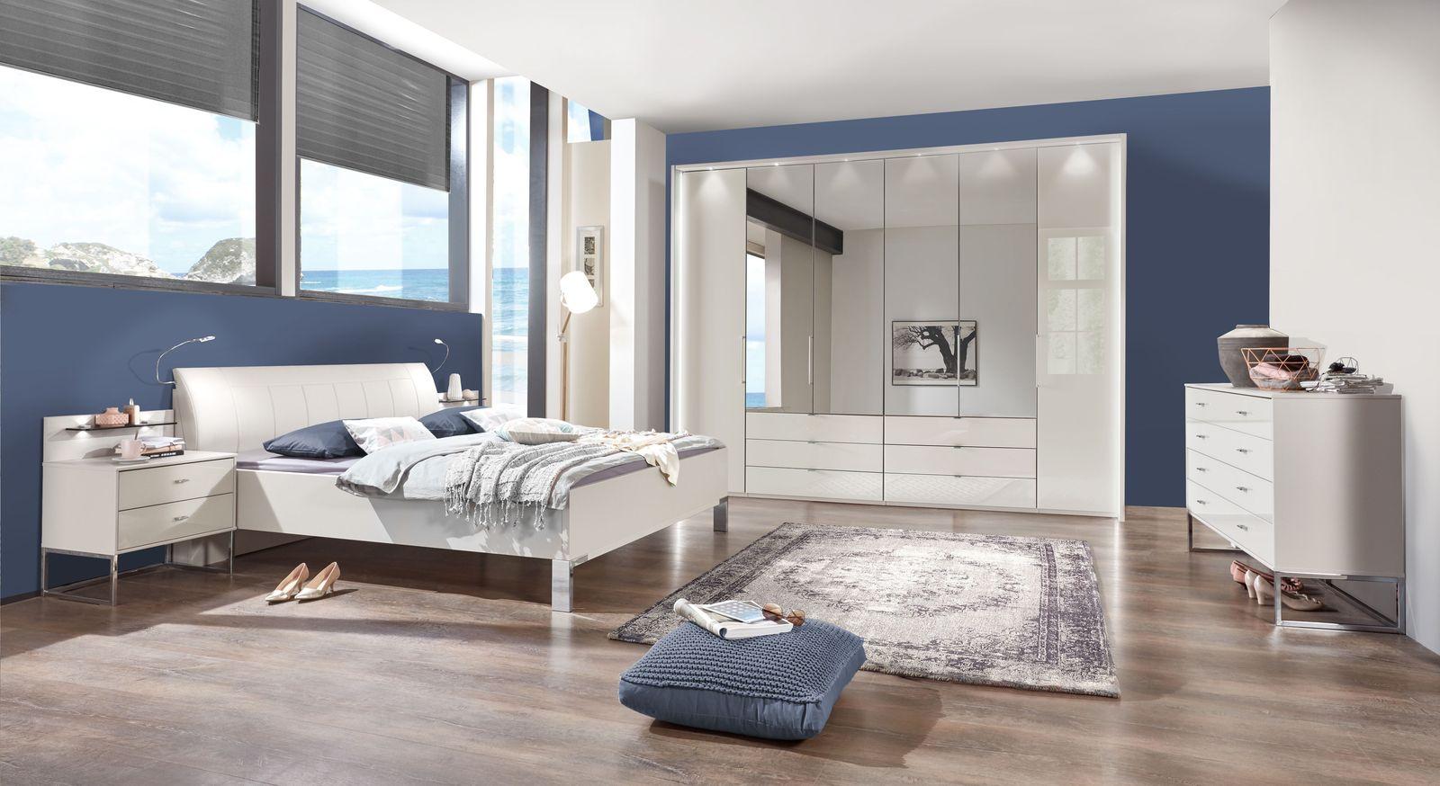 Komplett-Schlafzimmer Elmira mit champagnerfarbenen Möbeln