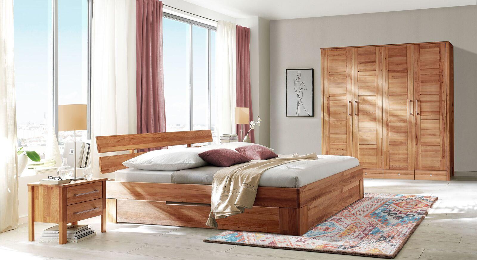Komplett-Schlafzimmer Halvar aus massiver Kernbuche