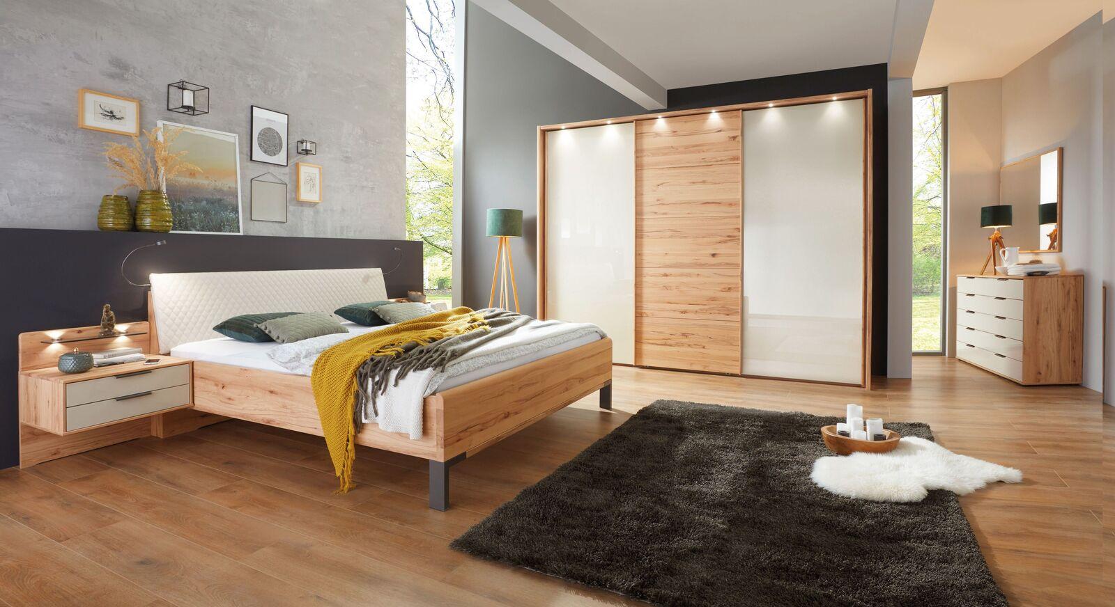 Komplett-Schlafzimmer Leandra in stilvollem Materialmix