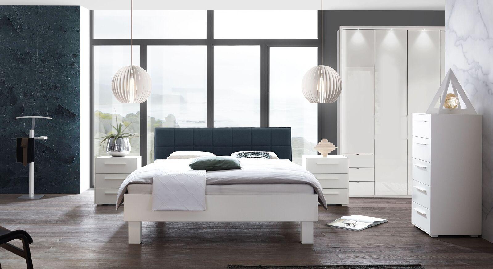 Komplett-Schlafzimmer Linnea mit weißen Möbeln