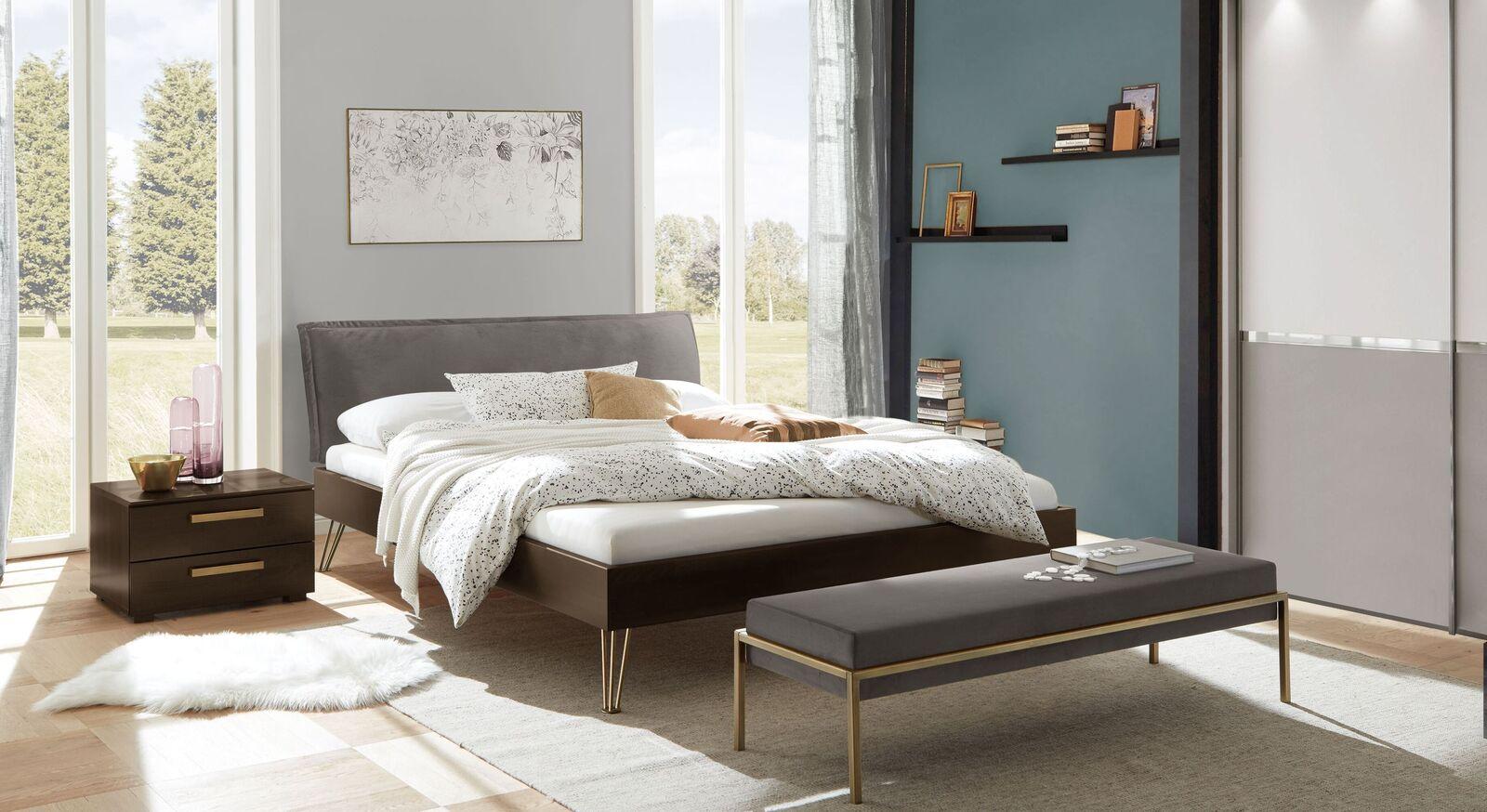 Komplett-Schlafzimmer Sirell mit Bett Kleiderschrank und Nachttisch