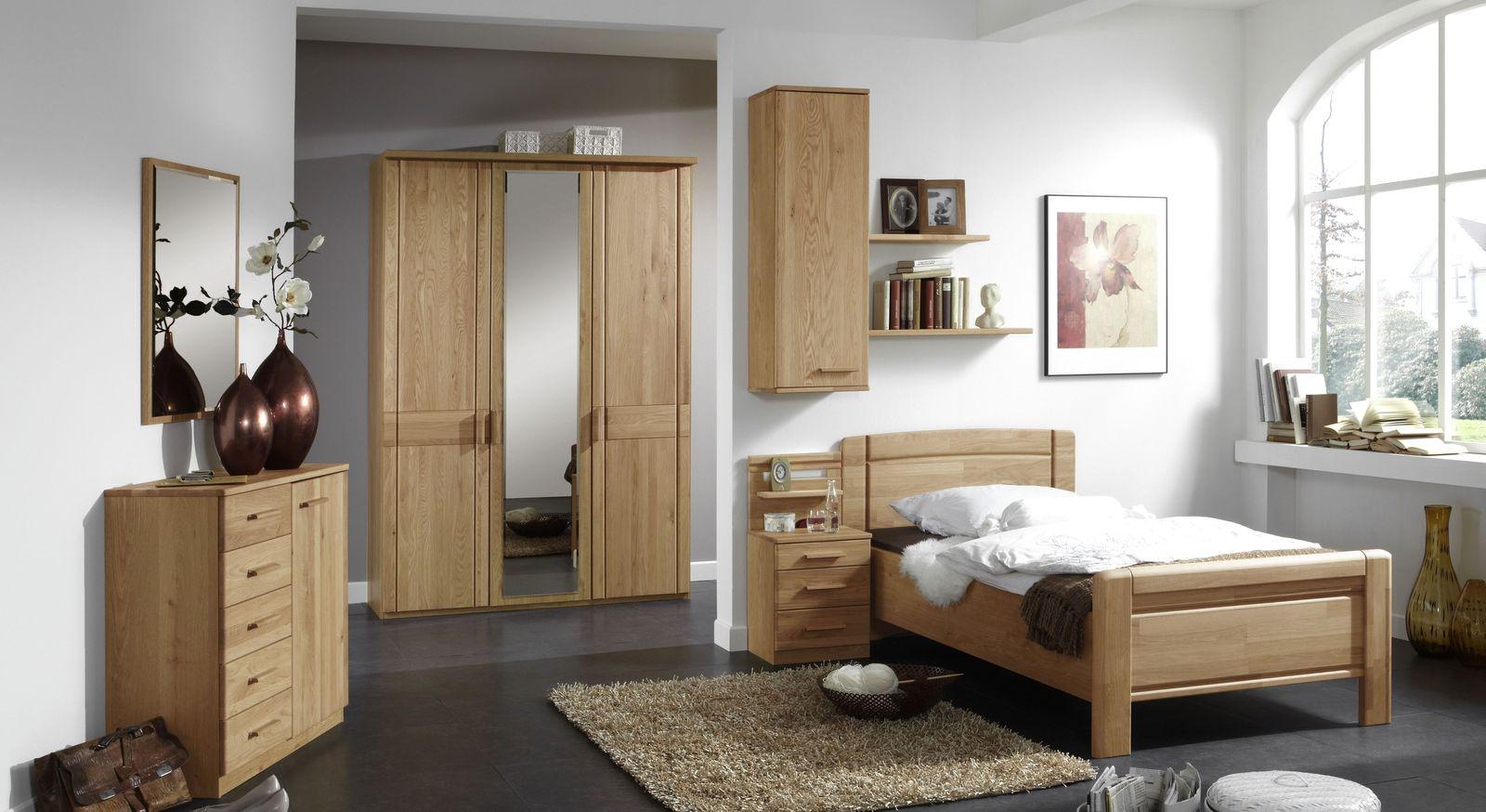 Altersfreundliches Komplett-Schlafzimmer Toliara aus teilmassiver Eiche