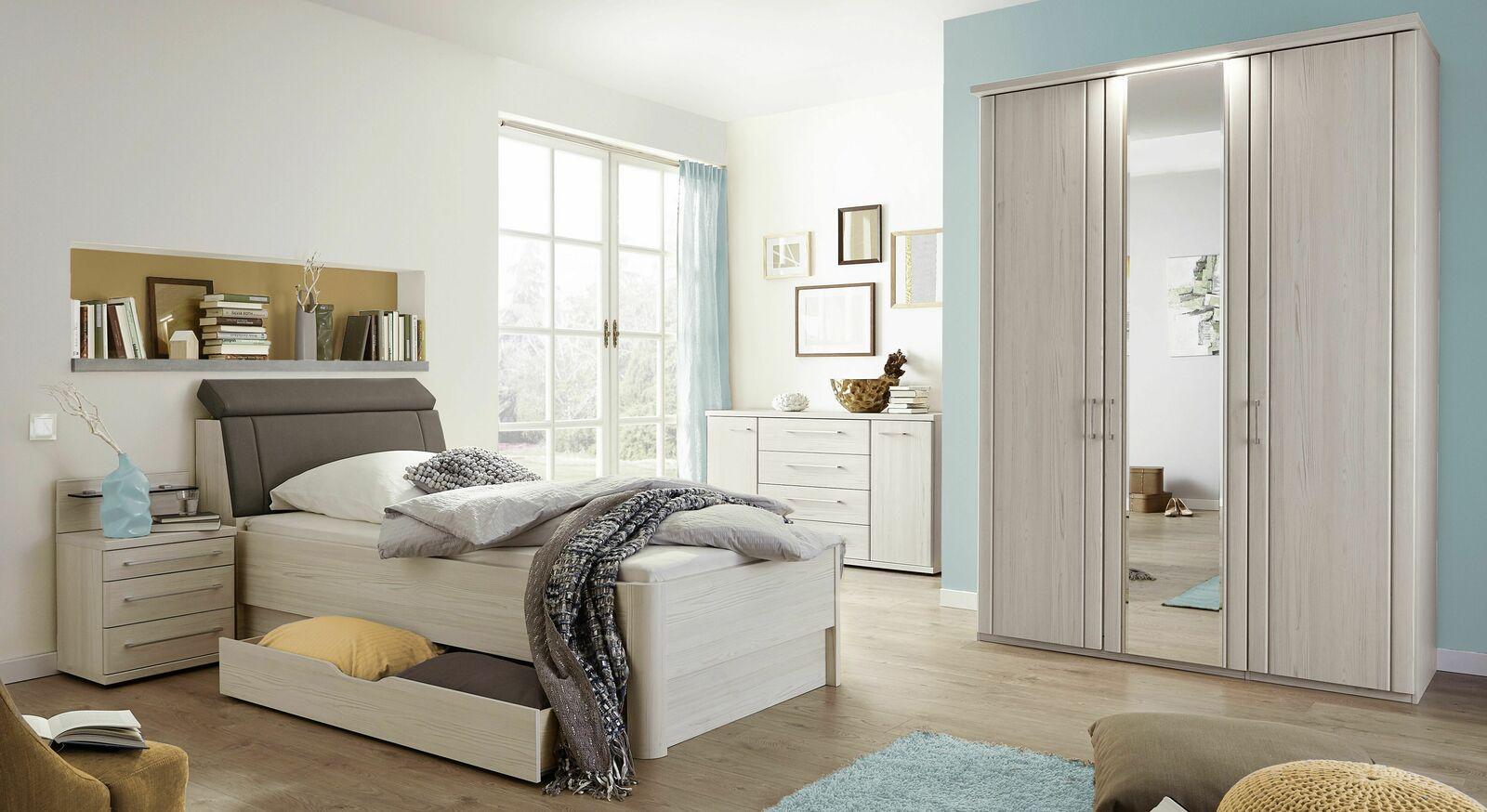 Schlichtes und stilvolles Komplett-Schlafzimmer Usingen