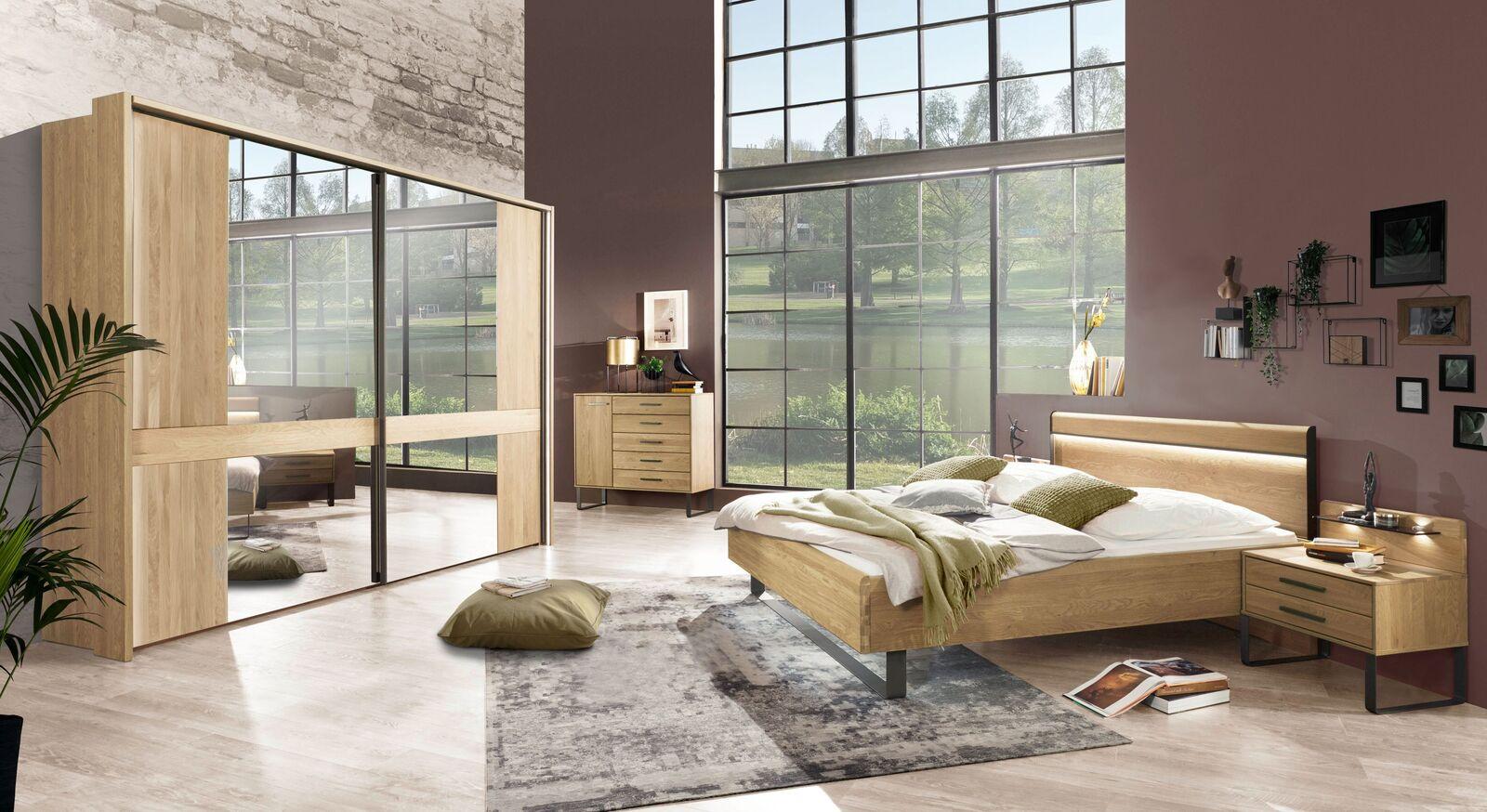 Komplett-Schlafzimmer Vitora hochwertig in Eiche teilmassiv