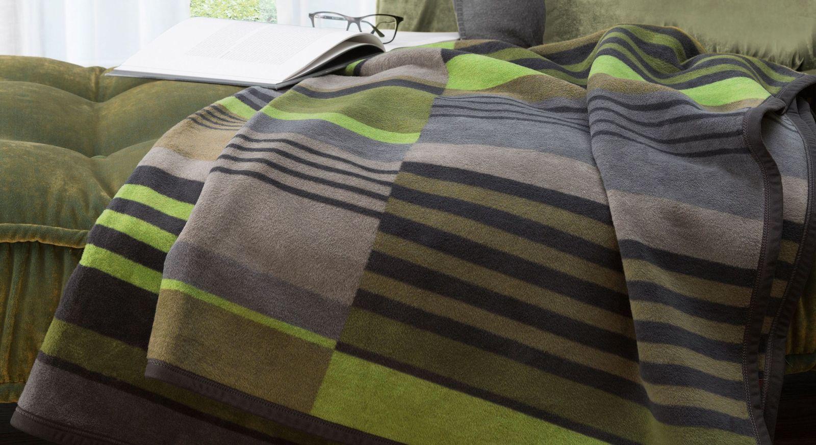 Sauber verarbeitete Kuscheldecke Green Stripes