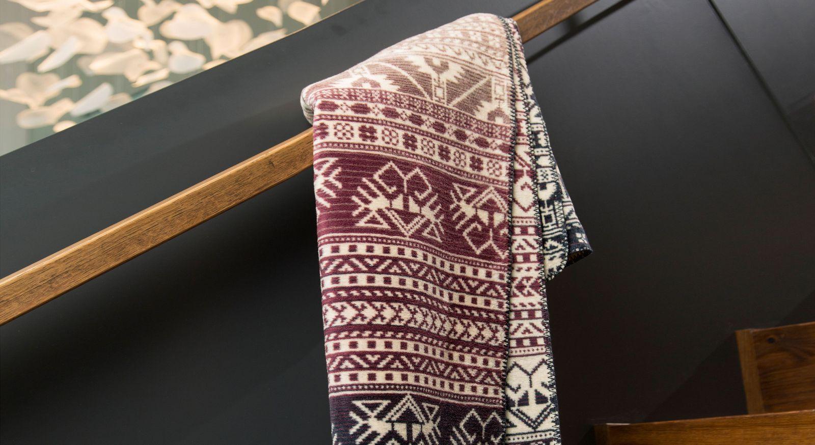 Hochwertige Kuscheldecke Maya aus angenehmem Baumwollgemisch