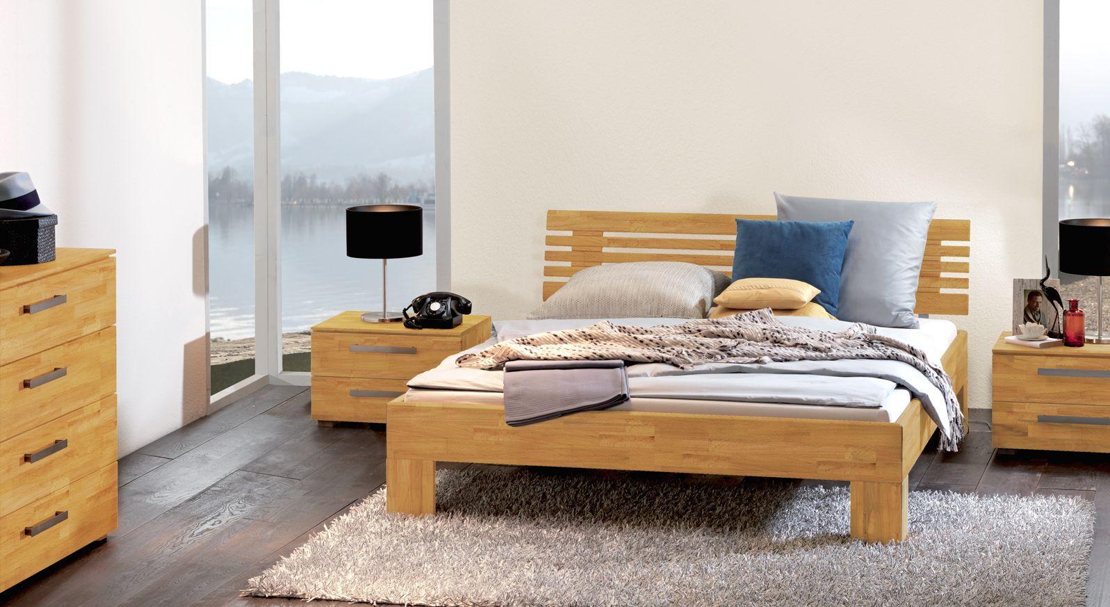 Bett in natürlicher Buche