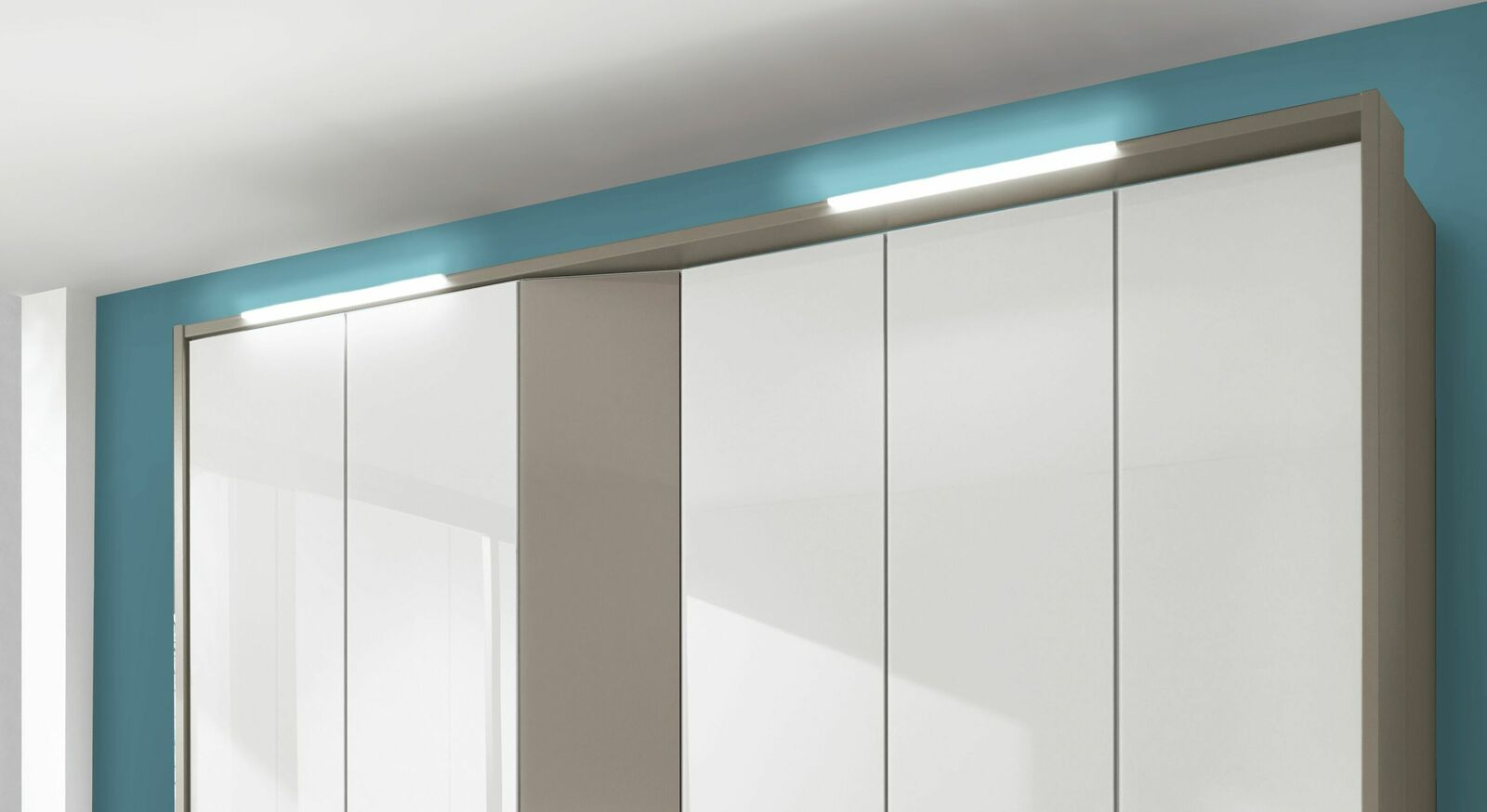 LED-Vorbauleuchte ideal als Ergänzung zum Schrank