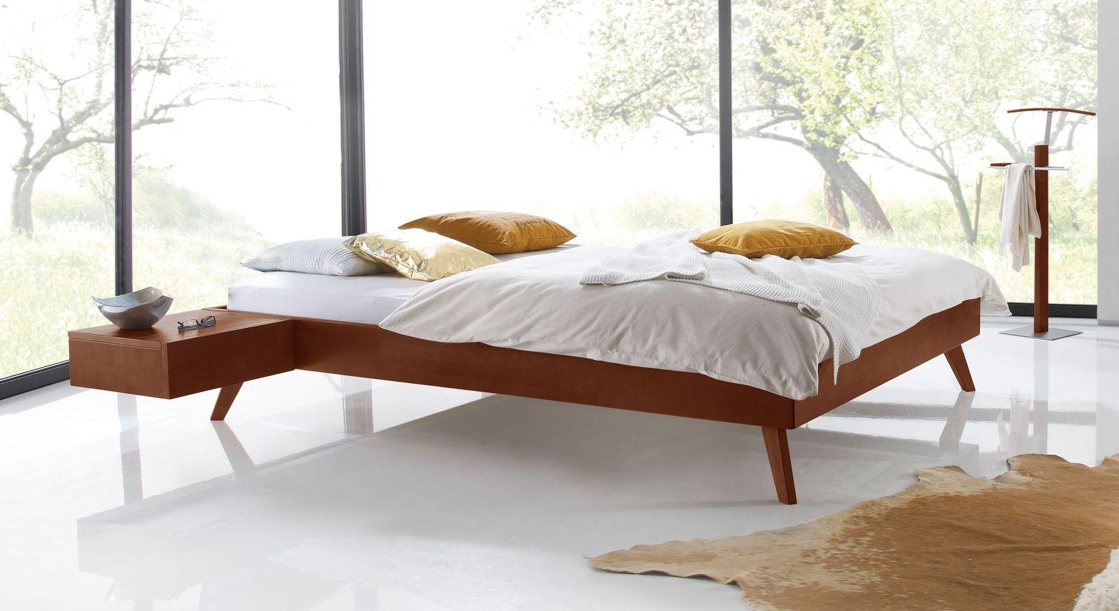 Kirschbaumfarbene Liege Andros mit ausgestellten Bettbeinen