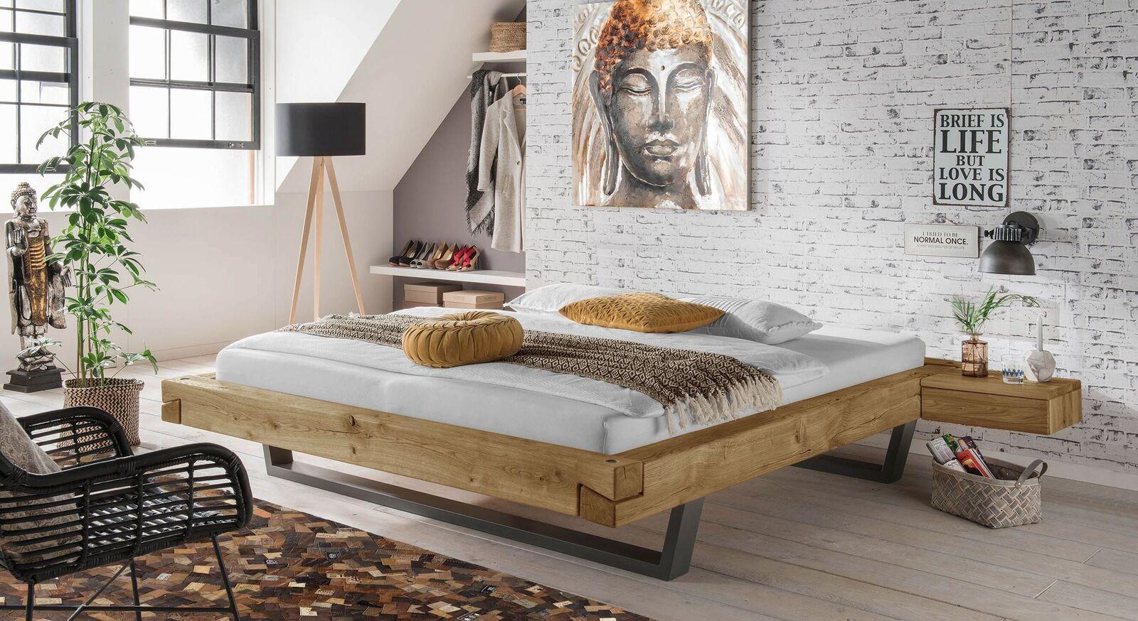 Liege Arsos mit passenden Schlafzimmer Accessoires