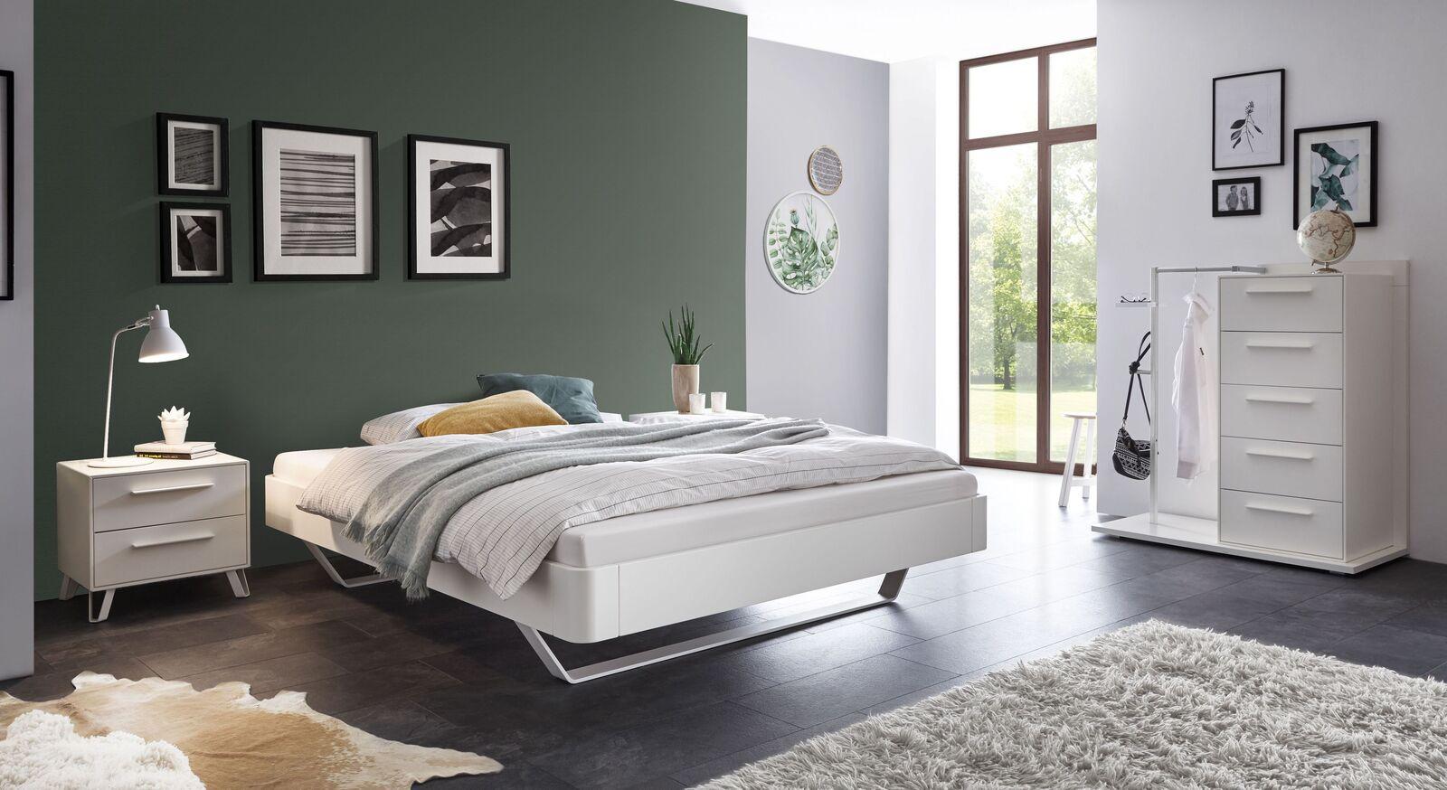 Liege Cilona mit passenden Schlafzimmermöbeln