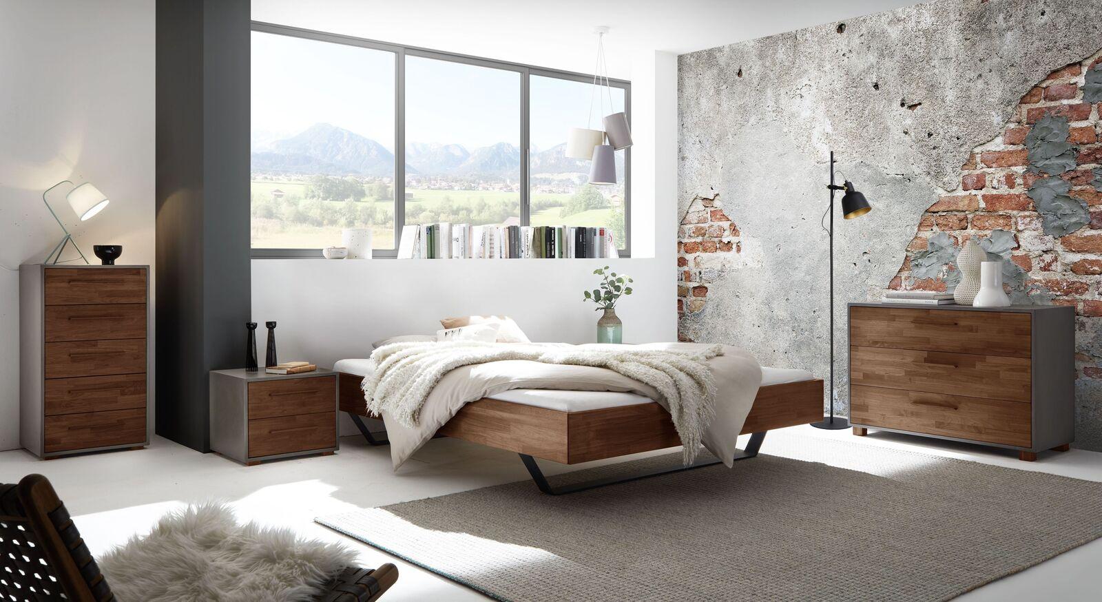Liege Locurio mit passenden Schlafzimmer-Möbeln