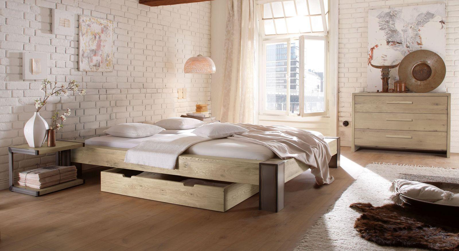 Liege Mallero mit passender Schlafzimmer-Einrichtung