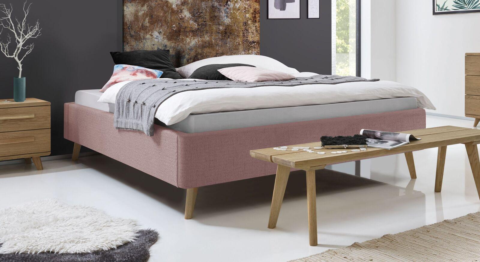 Liege Malvina mit rosefarbenem Stoffbezug