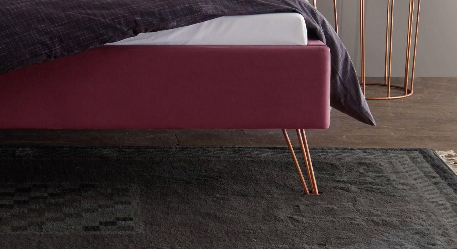 Moderne Liege Marfasia mit Metall Bettbeinen
