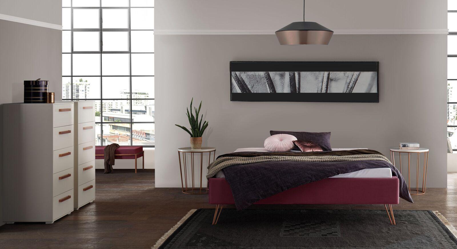 Passende Schlafzimmer-Ausstattung zur Liege Marfasia