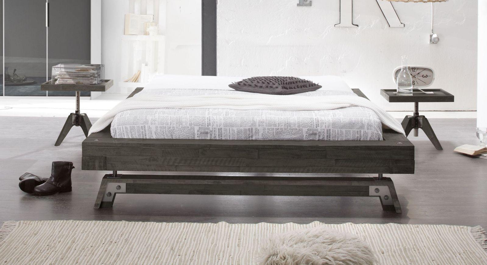 echtholz liege aus akazienholz im industrial style molina. Black Bedroom Furniture Sets. Home Design Ideas