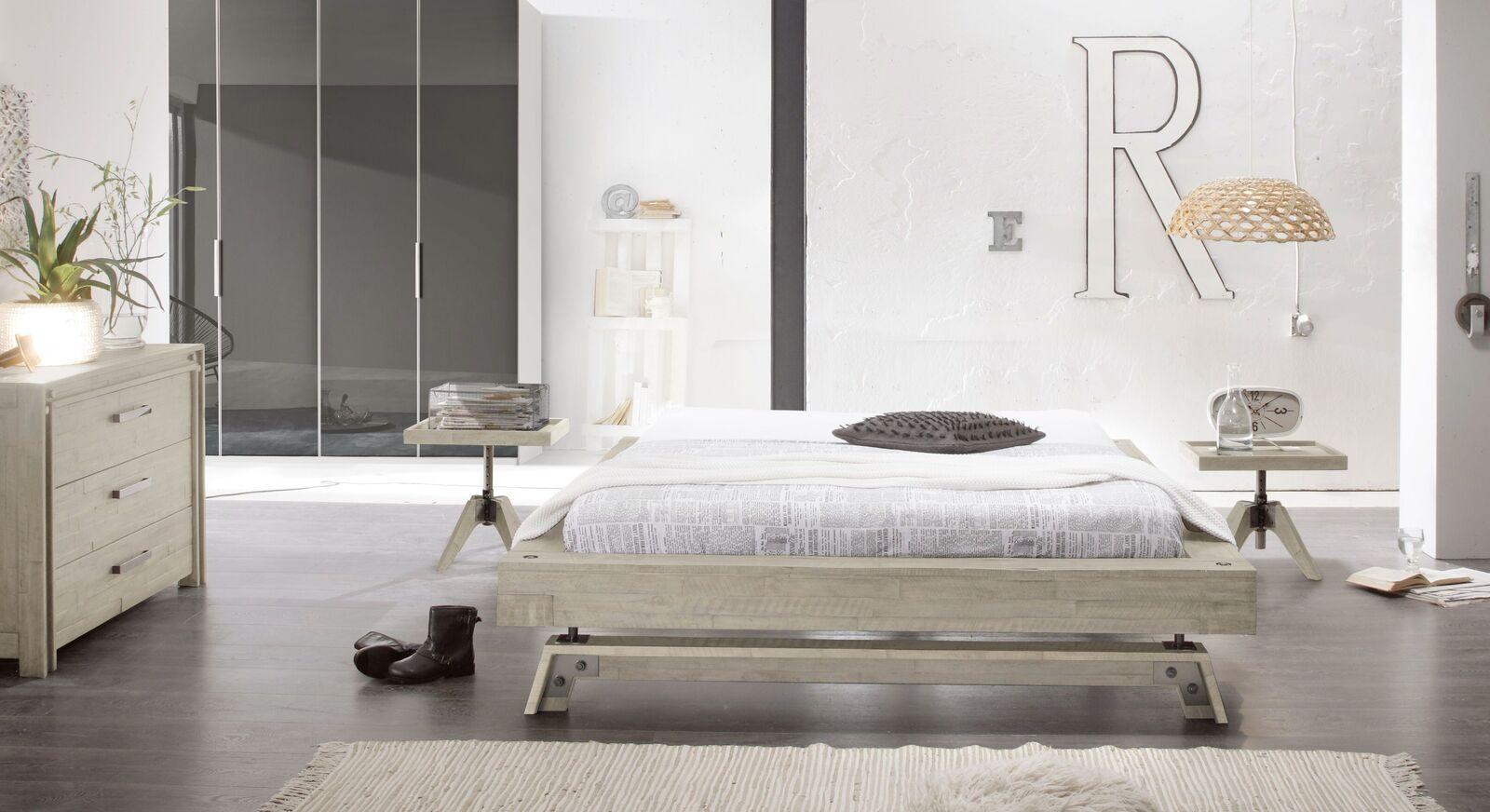 Liege Molina mit passenden Schlafzimmermöbeln