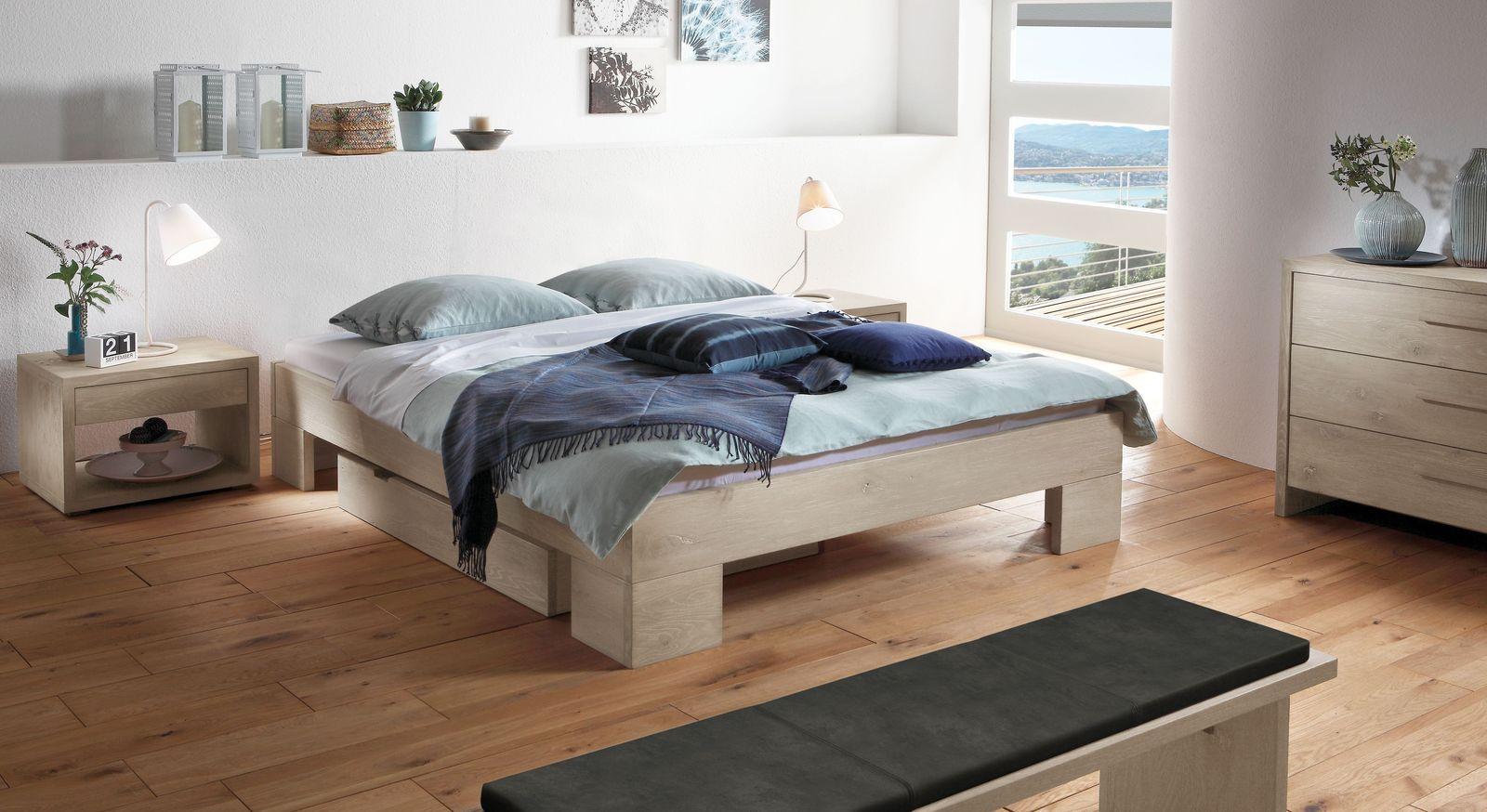 liege ohne r ckenlehne aus massivem wildeichenholz olinda. Black Bedroom Furniture Sets. Home Design Ideas
