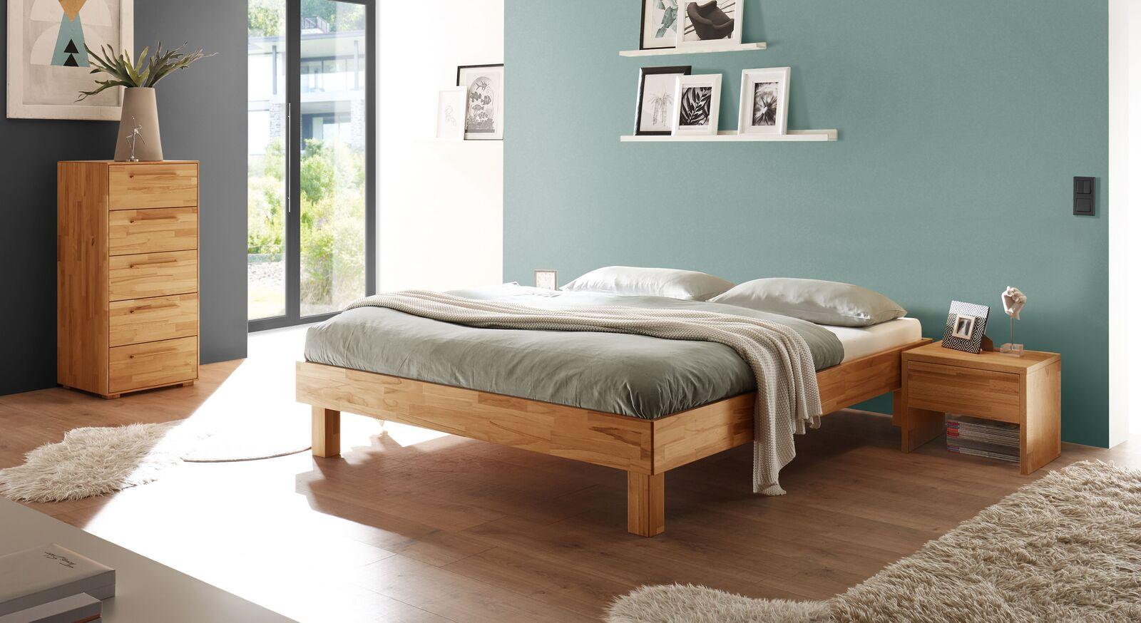 Liege Varion mit passenden Schlafzimmermöbeln