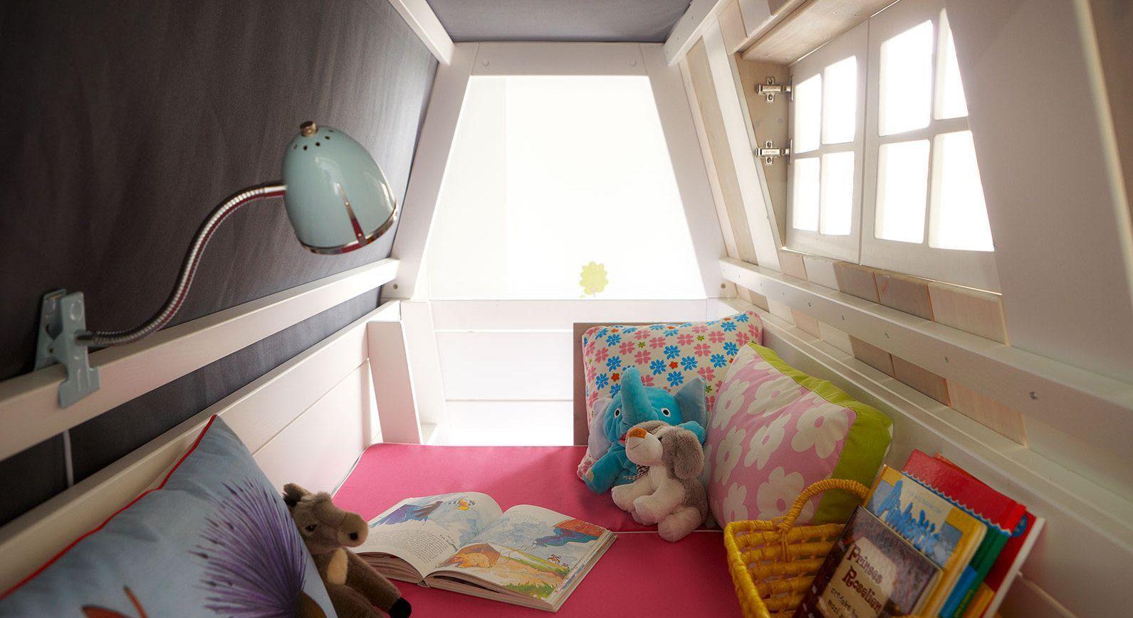 LIFETIME Abenteuer- und Etagenbett Hangout mit oberem Spielbereich