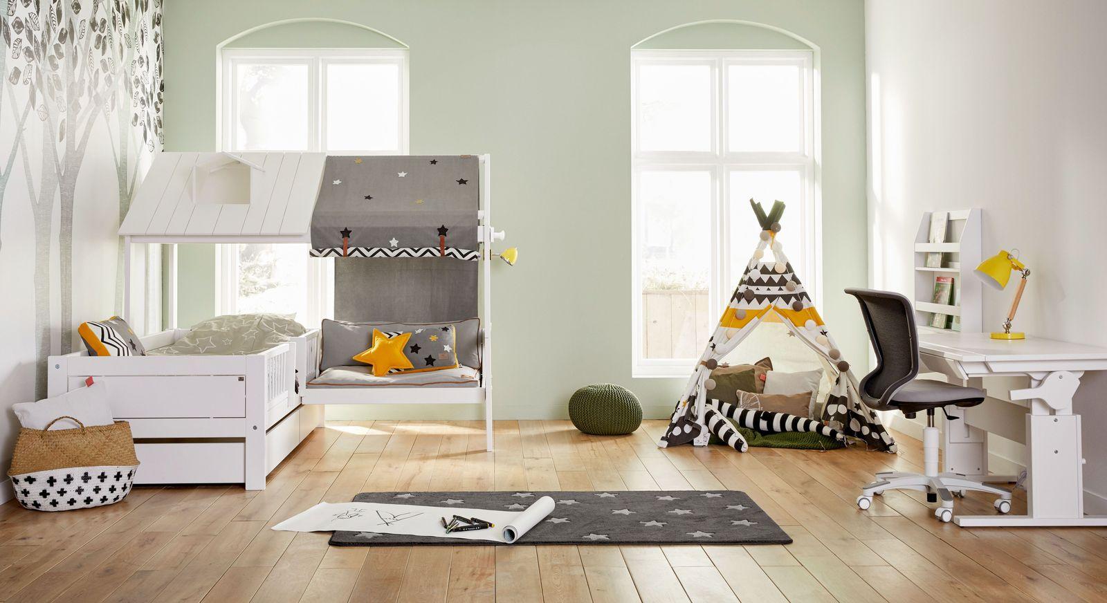 Traumhaftes LIFETIME Kinderzimmer mit Bett & Sofa Ferienhaus