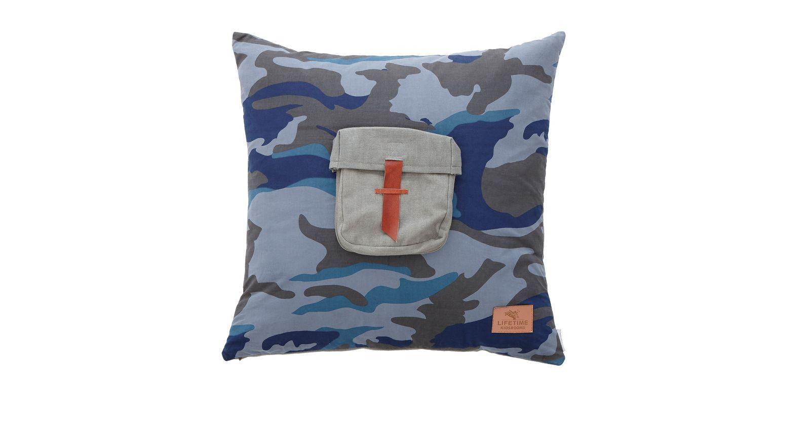 LIFETIME Dekokissen Camouflage mit Taschen-Applikation