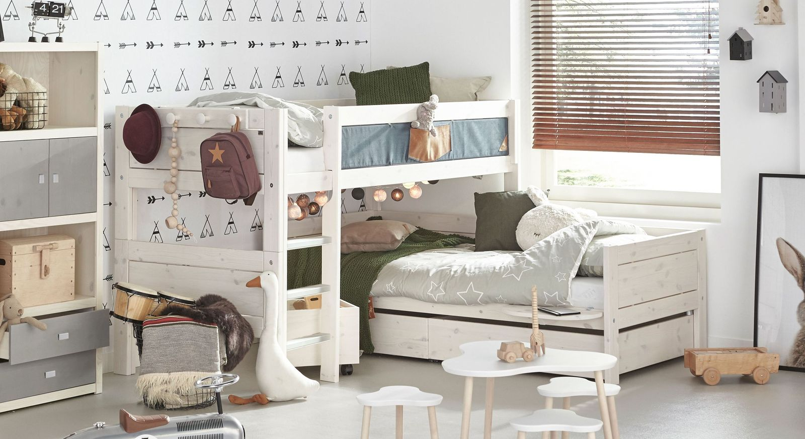 lifetime stockbett ber eck aus kiefer mit lattenrost. Black Bedroom Furniture Sets. Home Design Ideas
