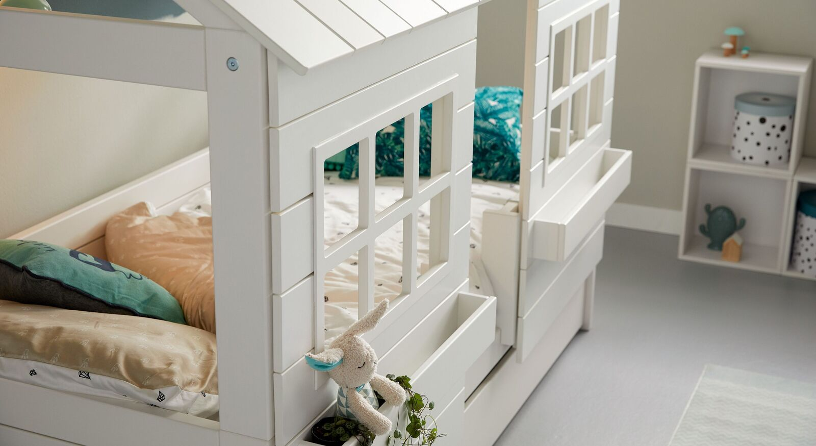 Modernes LIFETIME Hüttenbett Lakehouse als Hausbett