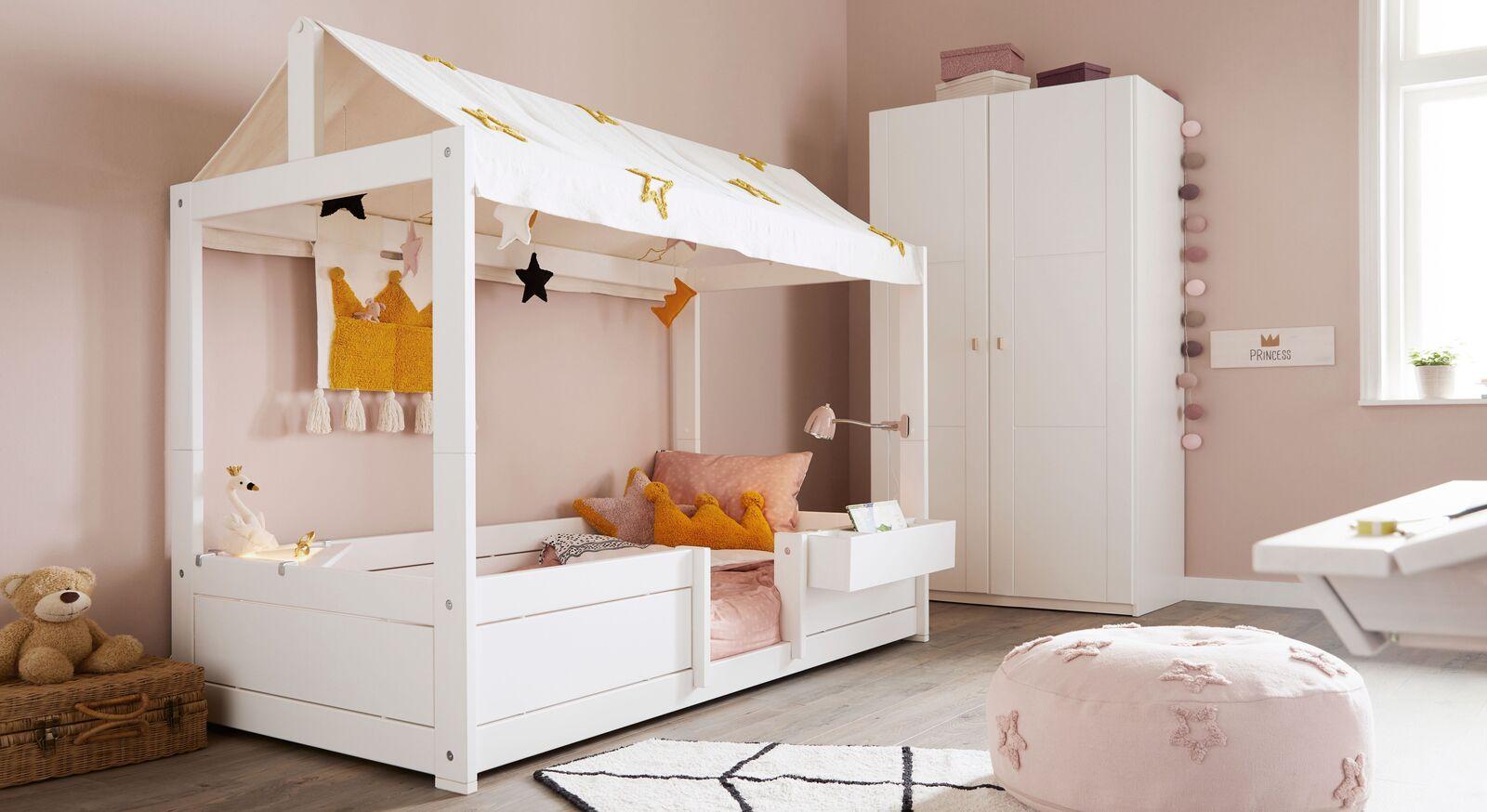 Weiß lackiertes LIFETIME Kinderbett Princess Stars für moderne Mädchenzimmer