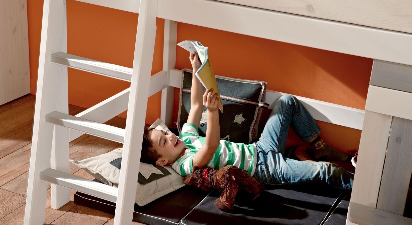 hochbett mit kletterwand midi hochbett aus mdf und buche mit kletterwand kids town hochbett. Black Bedroom Furniture Sets. Home Design Ideas