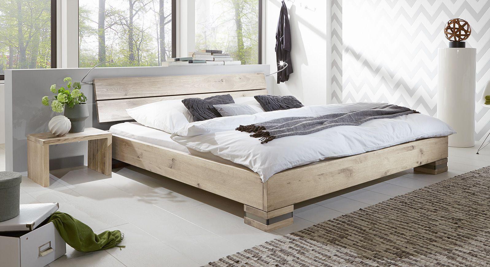 massivholzbett und kopfteil in rustikaler eiche curada. Black Bedroom Furniture Sets. Home Design Ideas