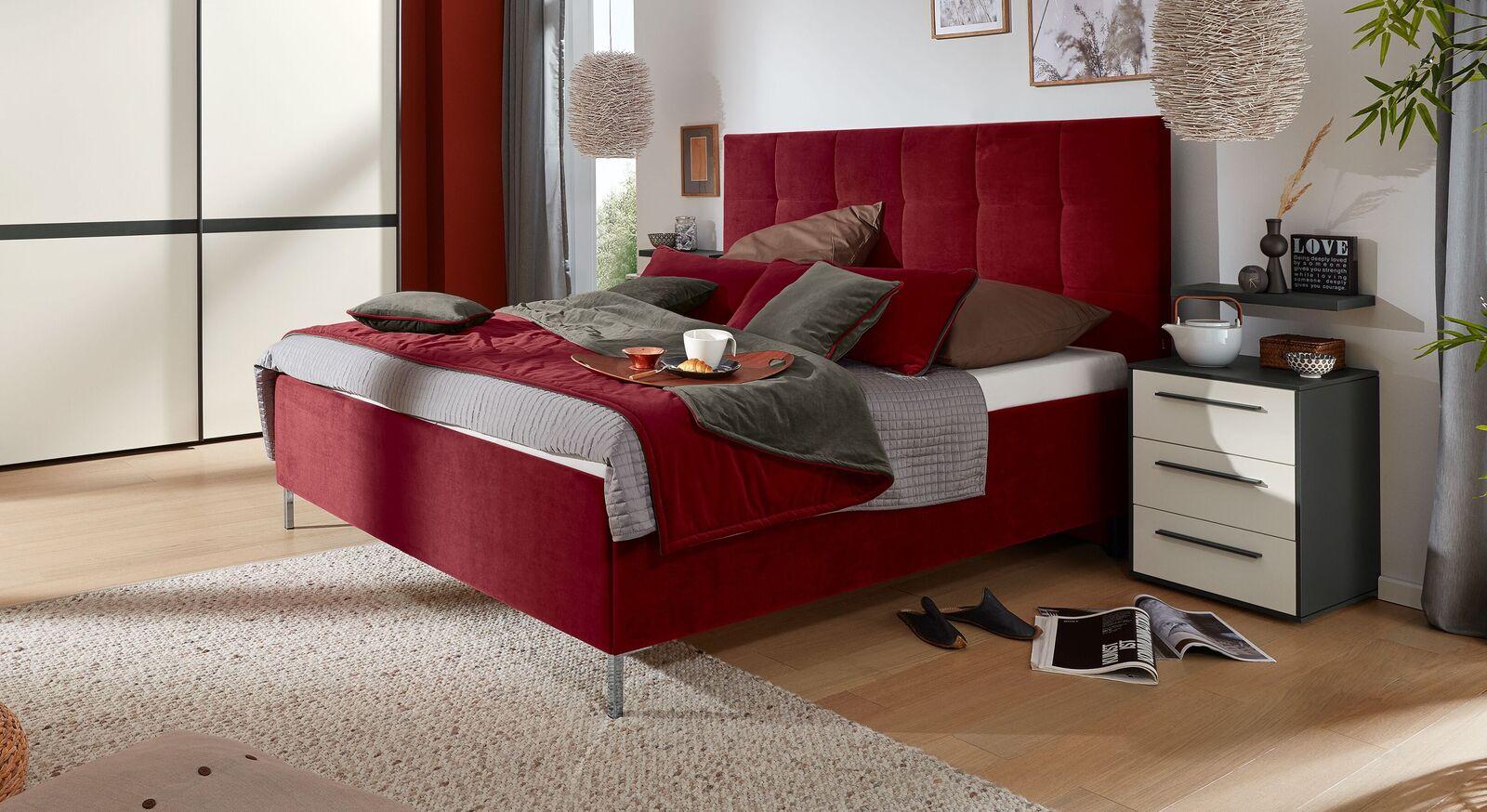 Hochwertiges MUSTERRING Bett Epos mit Kopfteil in Quadratsteppung