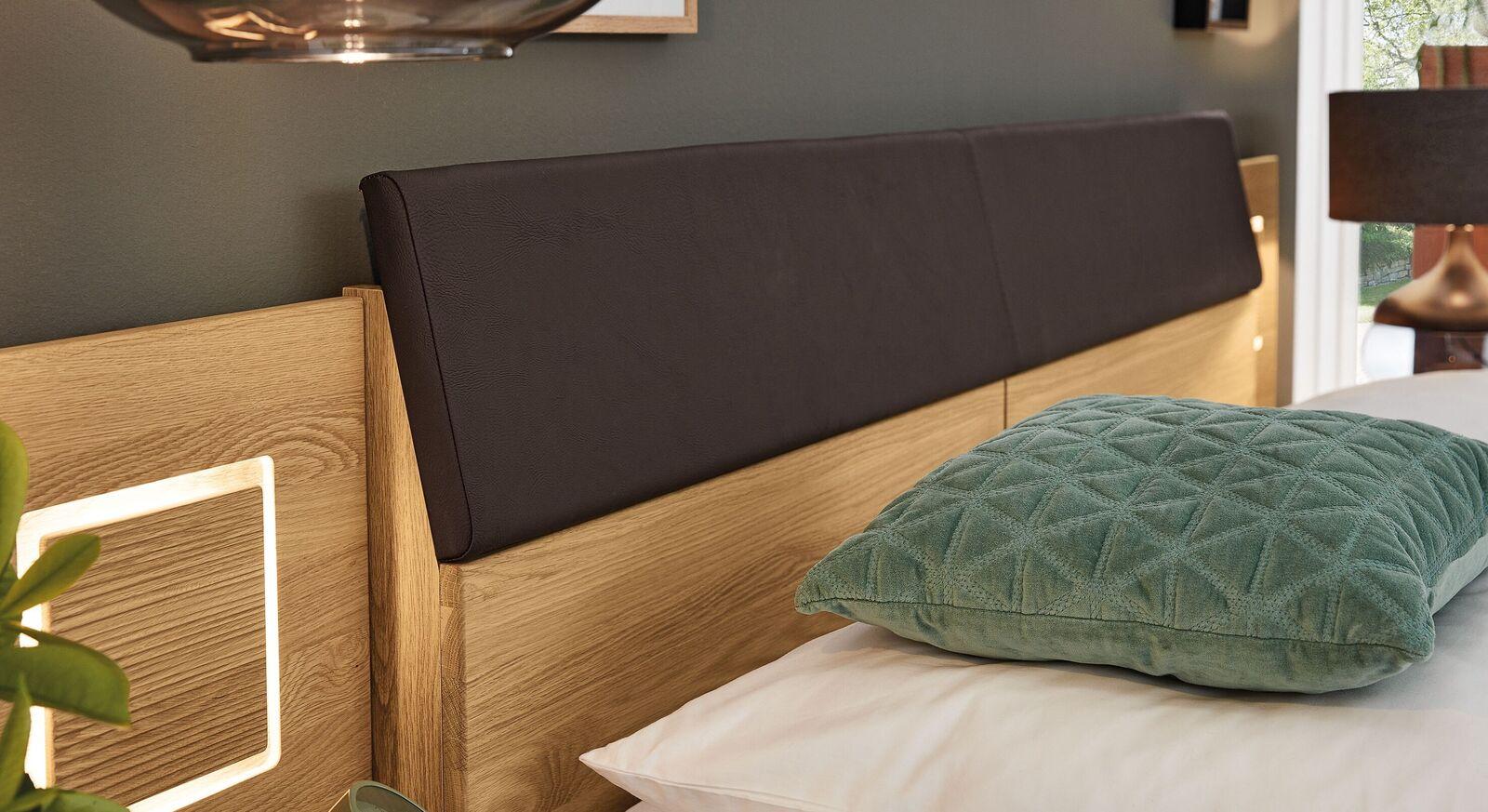 Modisches Kopfteil vom MUSTERRING Bett Samoa mit Quersockel