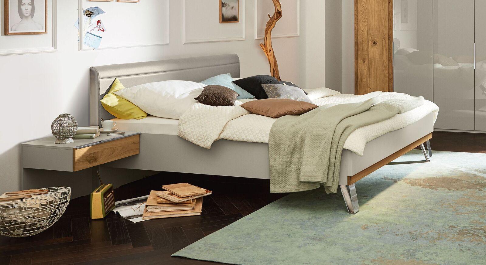 Stylisches MUSTERRING Bett Saphira kieselgrau im Materialmix