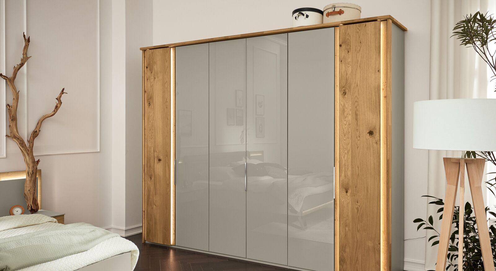 MUSTERRING Drehtüren-Kleiderschrank Saphira kieselgrau mit massiven Holztüren