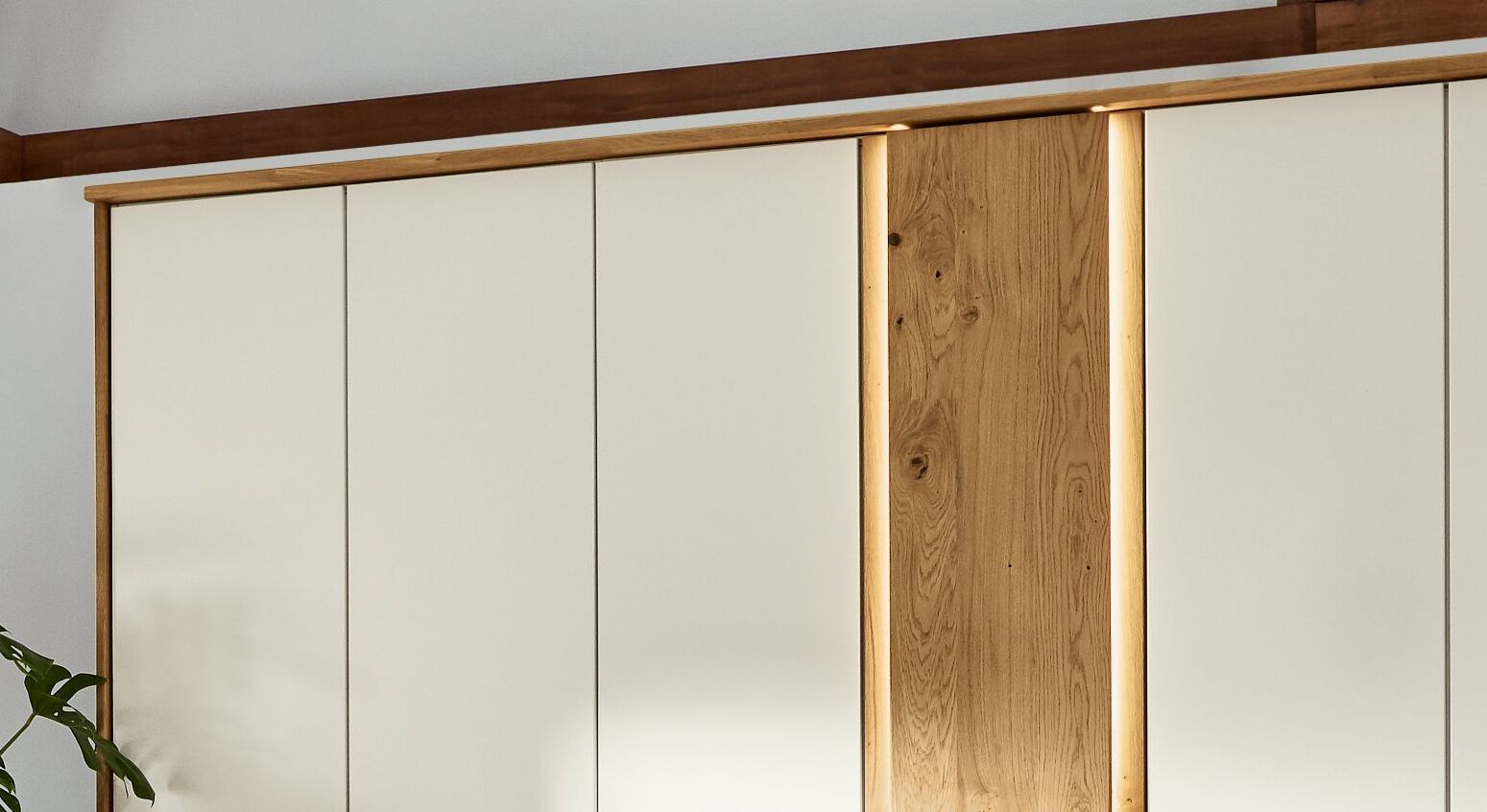 Musterring Drehtüren-Kleiderschrank Saphira Weiß mit eleganter Eichenholztür