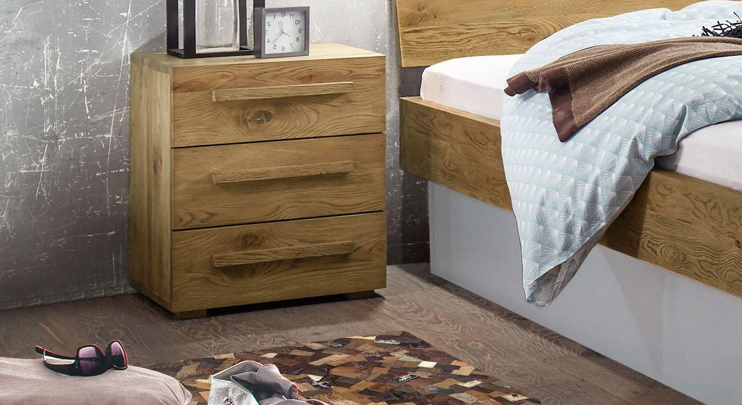 Nachttisch Boa Vista mit breiten Holzgriffen
