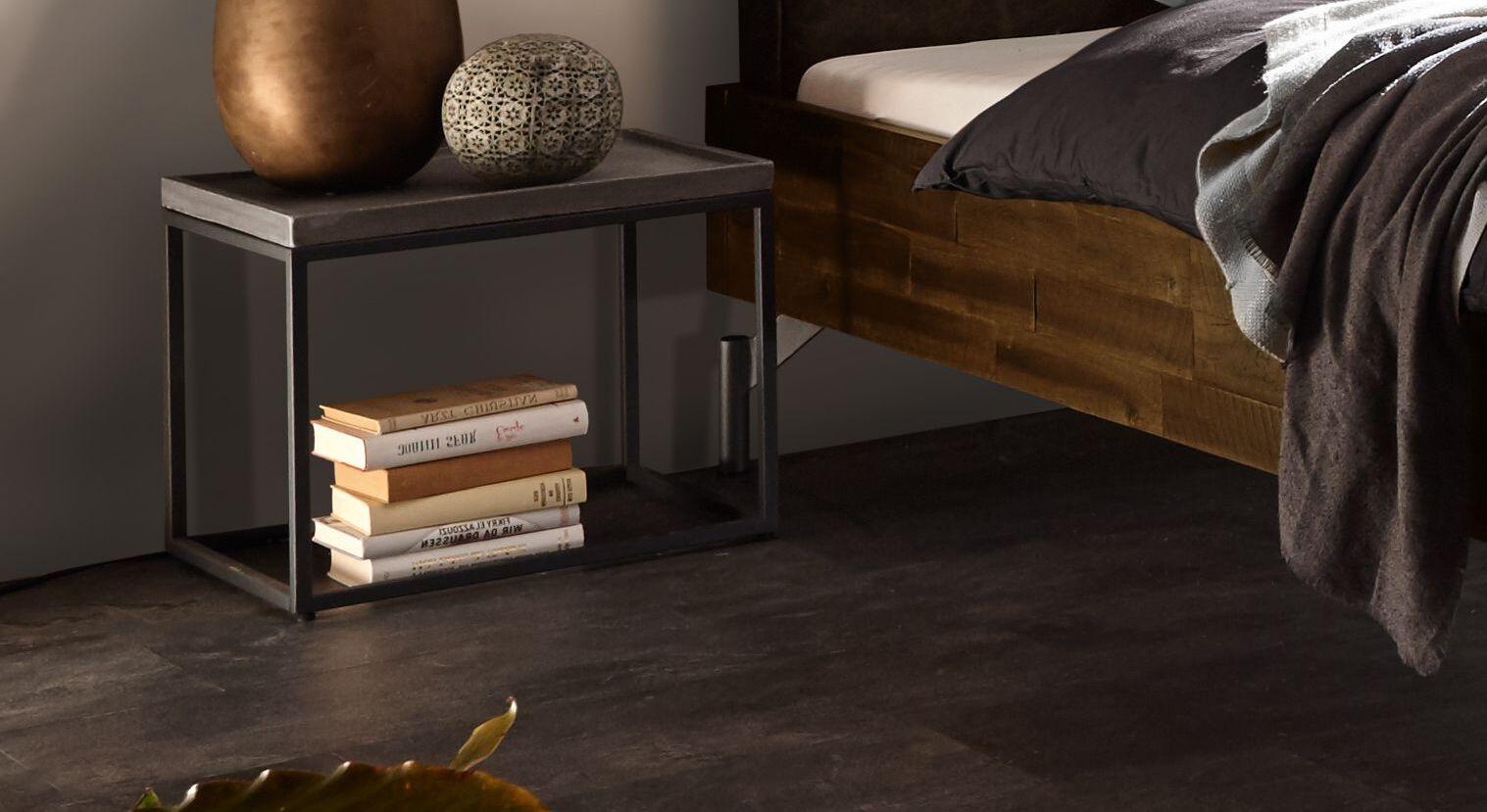 Trendiger Nachttisch Envigado mit Metall-Gestell