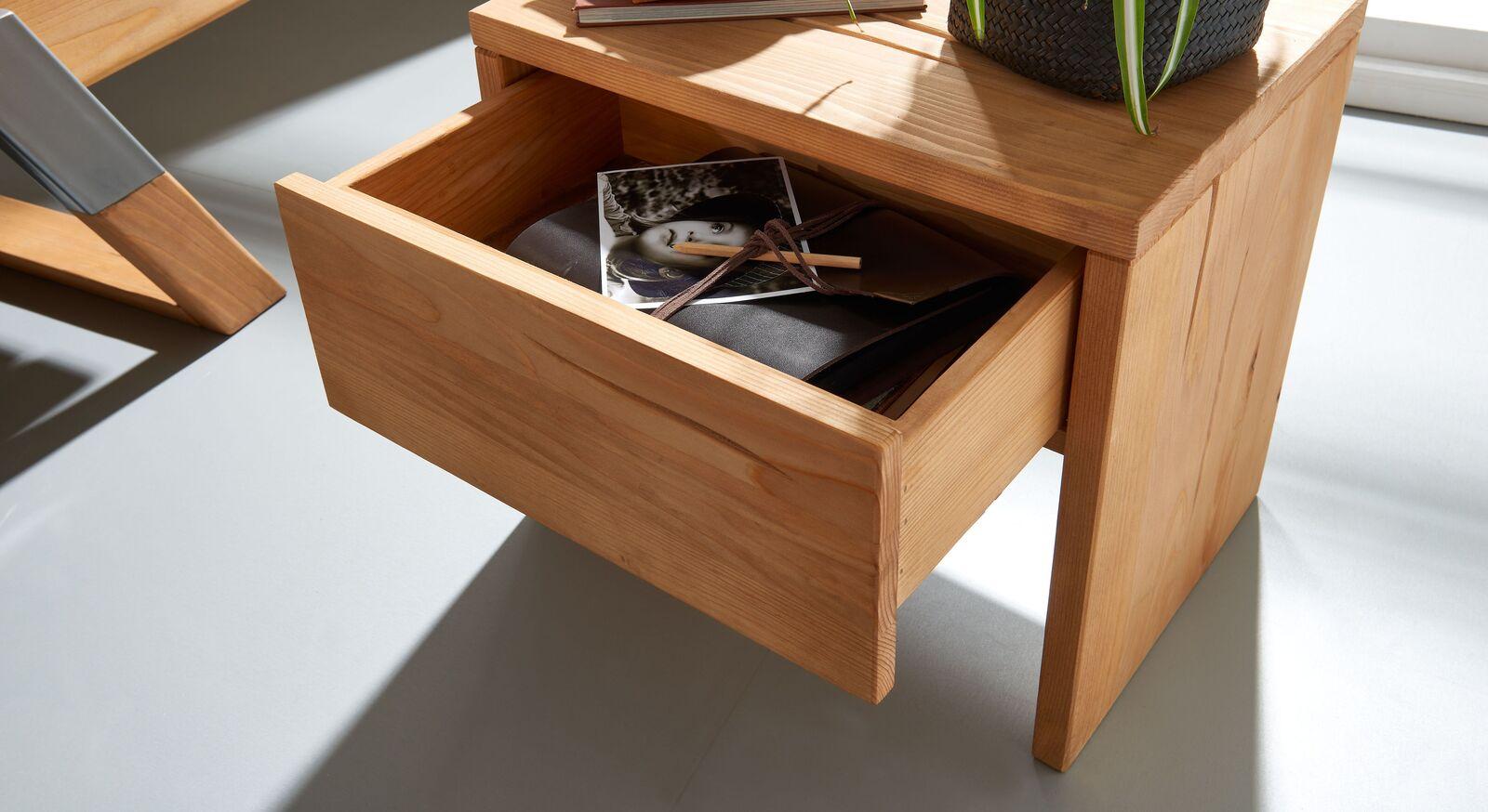 Nachttisch Ikast mit integrierter Schublade