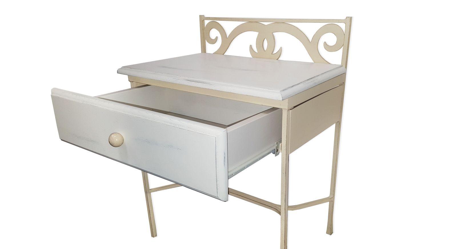 Nachttisch Maringa mit schmaler Schublade